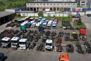Vilkikų ir sunkvežimių naudotos dalys