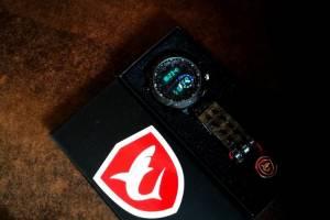 SHARK juodas gražus japoniška širdim firminėje dėžutėje